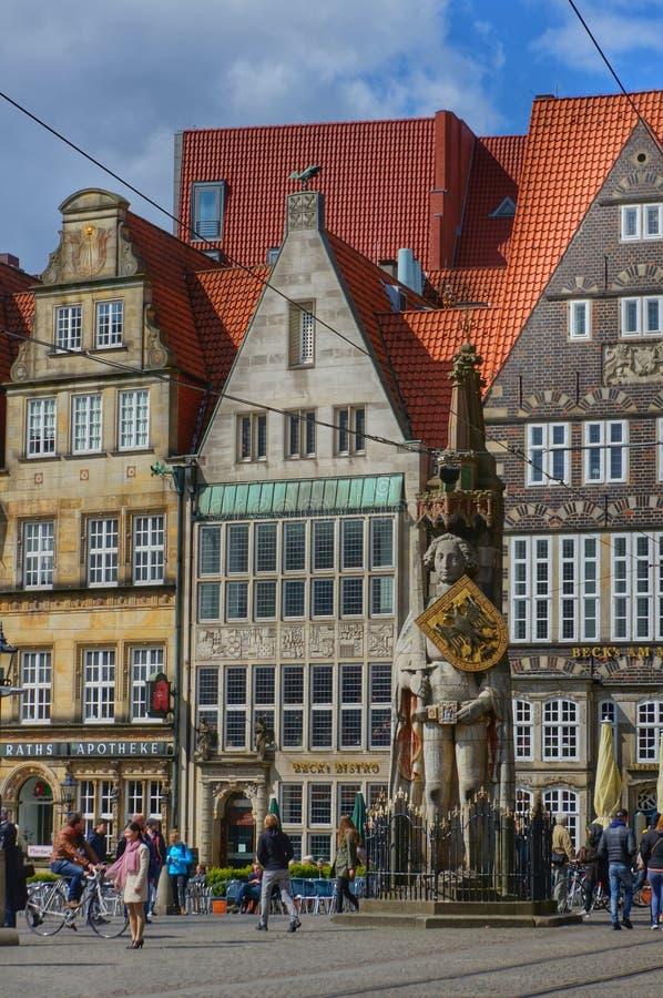 Bremen Tyskland, marknadsfyrkant med statyn arkivfoton