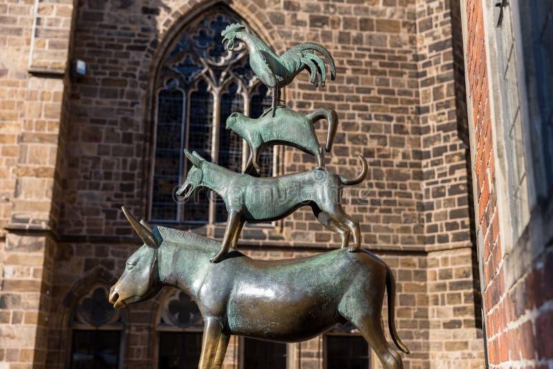 Bremer stadtmusikanten статуи Бремен Германия стоковая фотография rf