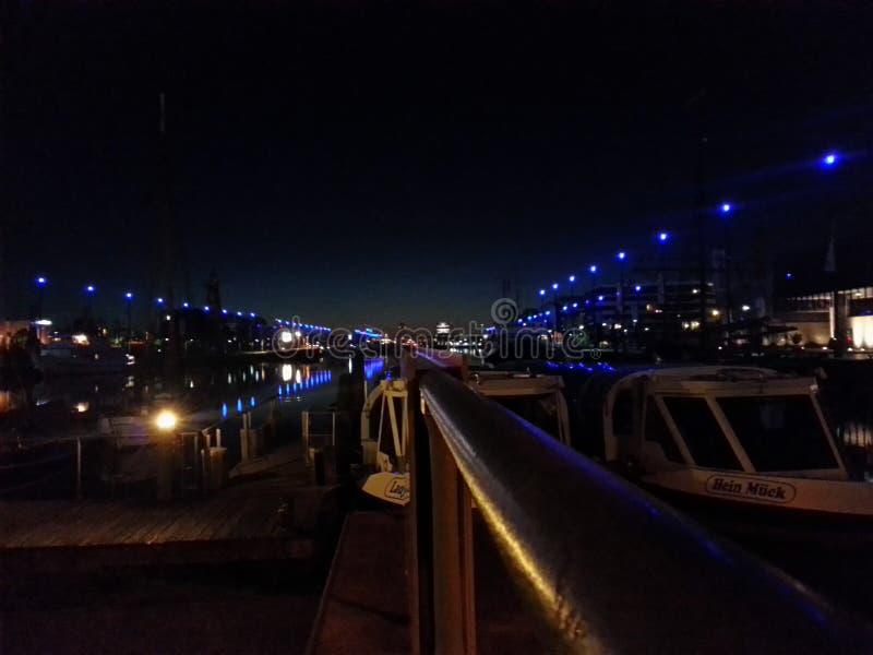 Bremerhaven bij nacht royalty-vrije stock fotografie