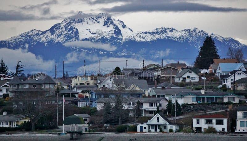 Bremerton Вашингтон/олимпийские горы стоковое изображение