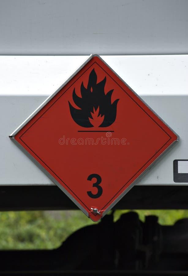 Brennbares Warenzeichen auf Schmieröl-LKW stockbild