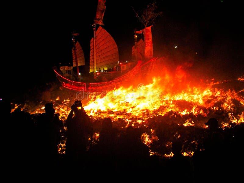 Brennen Sie das Lordschiff lizenzfreie stockbilder