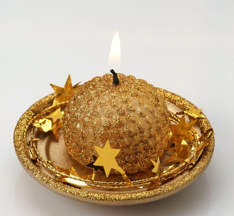 Brennende dekorative Kerze. stockfotografie