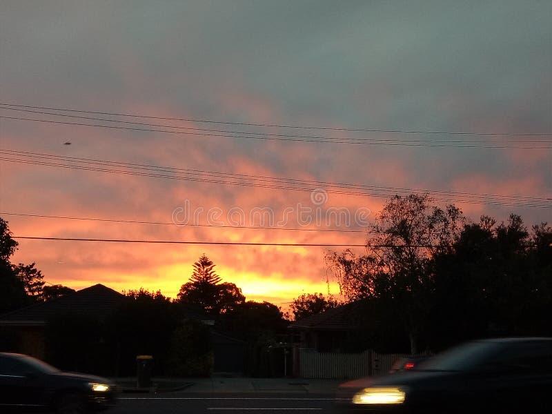 Brennende Himmel am Abend stockfoto