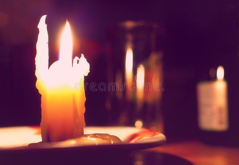Brennende Kerze lizenzfreies stockbild