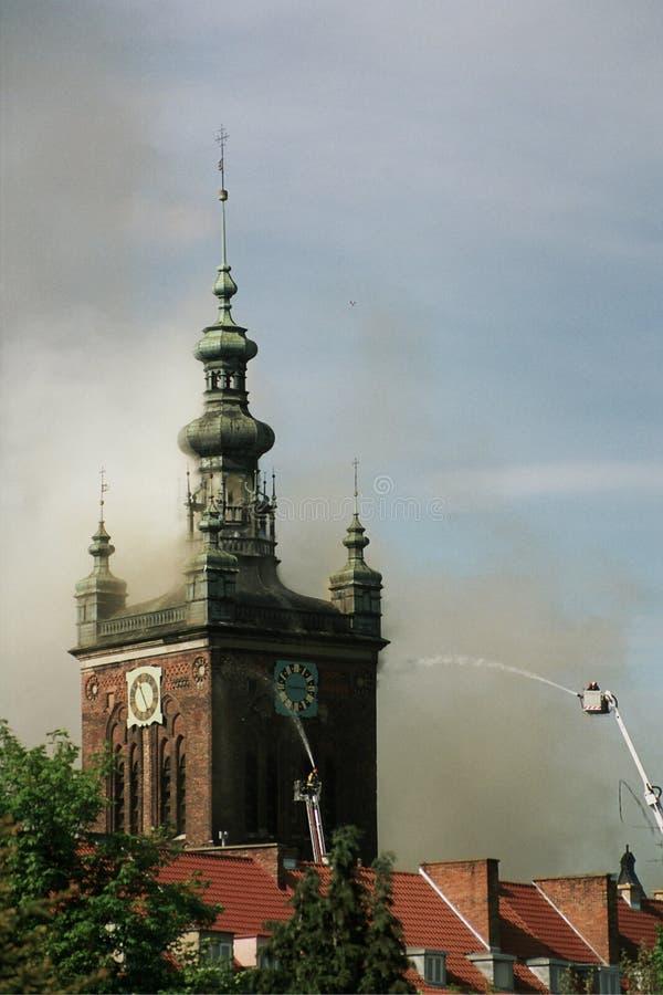 Brennende Kirche lizenzfreie stockbilder