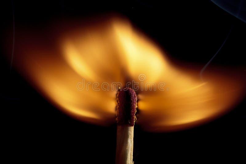 Brennender Matchstick lizenzfreie stockfotografie