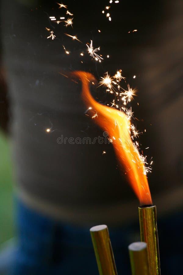 Brennender Sparkler lizenzfreie stockbilder