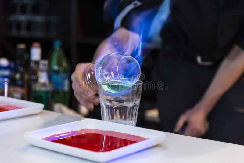 Brennendes Cocktail stockbilder