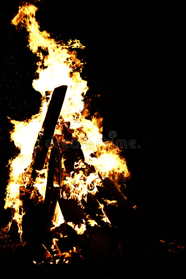 Brennendes Feuer stockfoto