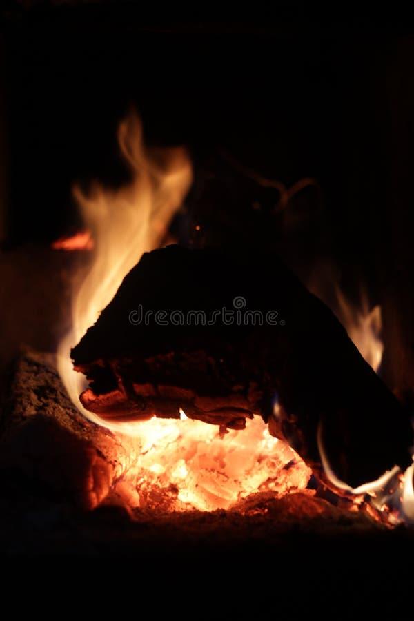Brennendes Protokoll Das Feuer stockfoto
