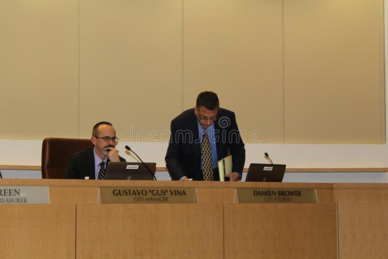 Brentwood-Stadtrat verbietet medizinische Marihuana-Bearbeitung AB266: Unterzeichnen lizenzfreies stockbild