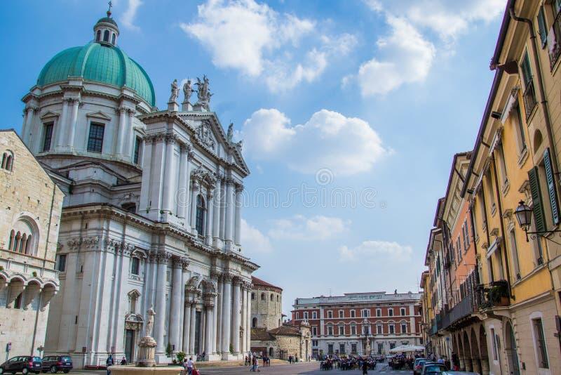 Brescia domkyrkafyrkant, Italien royaltyfria bilder