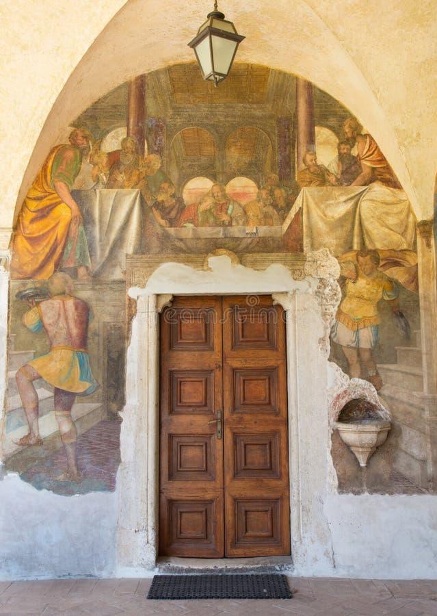 BRESCIA, ITALIA - 21 DE MAYO DE 2016: El fresco de la última cena en el atrio de los di Cristo de Chiesa del Santissimo Corpo de  fotografía de archivo