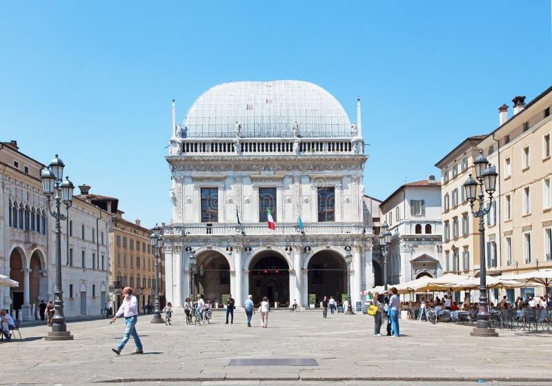 BRESCIA, ITALIA, 2016: Il panorama del quadrato della loggia di della piazza e del della Logia di Palazzo fotografia stock libera da diritti