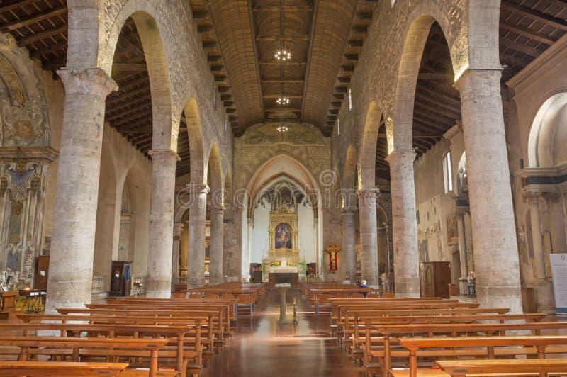 BRESCIA, ITALIA - 22 MAGGIO 2016: La navata del ` Assisi di Chiesa di San Francesco d della chiesa fotografia stock libera da diritti