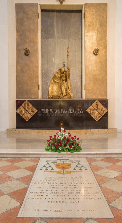 BRESCIA, ITALIA - 22 MAGGIO 2016: La statua del memoriale di Papa Paolo VI da Bresicia Giovani Battista Montini in duomo Nuovo immagini stock libere da diritti
