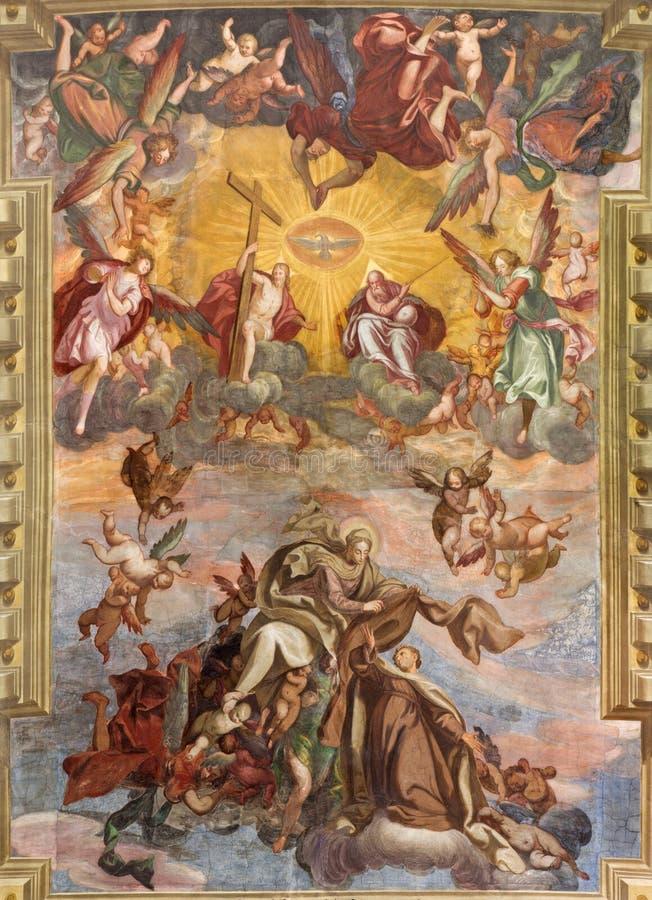 BRESCIA ITALIEN, 2016: Freskomålningen av antagandet av jungfruliga Mary på valvet ofn kyrktar Chiesa di Santa Maria del Carmine royaltyfri foto