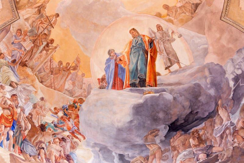 BRESCIA, WŁOCHY, 2016: Szczegół fresk Ostatni osądzenie na cupola w kościelnym Chiesa Di Christo Ponowny Vittorio Trainini ilustracji