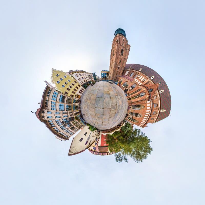 BRESLAU, POLEN - OKTOBER 2018: Wenig Planet Kugelf?rmige Luft-Ansicht des Panoramas 360 ?ber alte mittelalterliche Stadt Breslau, lizenzfreies stockbild