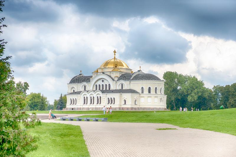 BREST, BELARUS - 28 JUILLET 2018 : Saint Nicholas Cathedral Svyato-Nikolaevskiy Sobor dans le mémorial de forteresse de Brest photo libre de droits