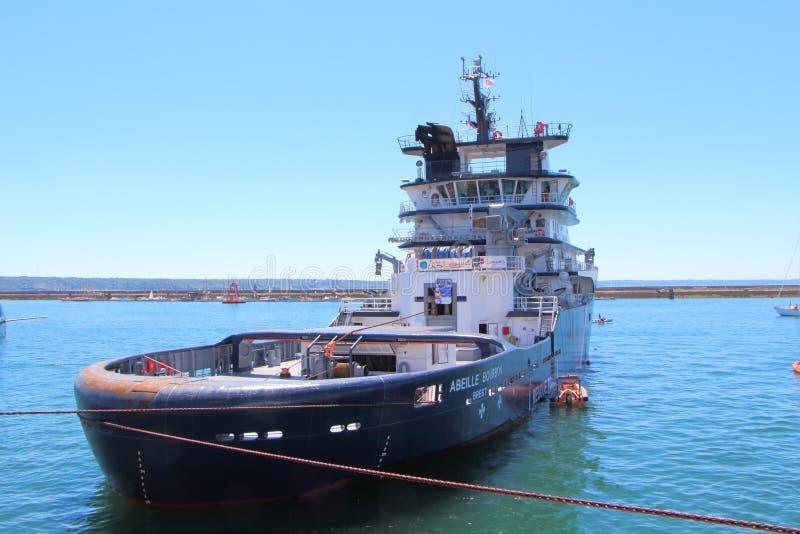 BREST, FRANKRIJK - JULI 18: Franse reddingsboot Abeille Bourbon binnen stock fotografie