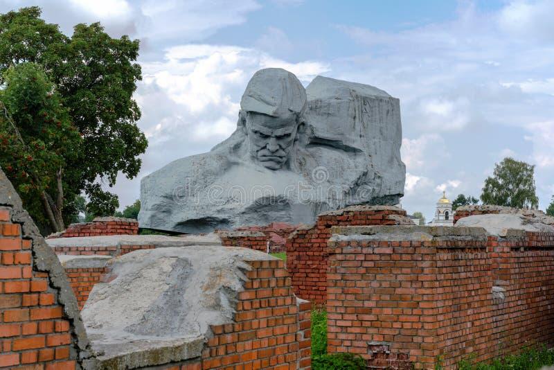 BREST VITRYSSLAND - JULI 28, 2018: Minnes- komplex `-Brest fästning hjälte`en, Den huvudsakliga `en för monument`-kurage, arkivfoto