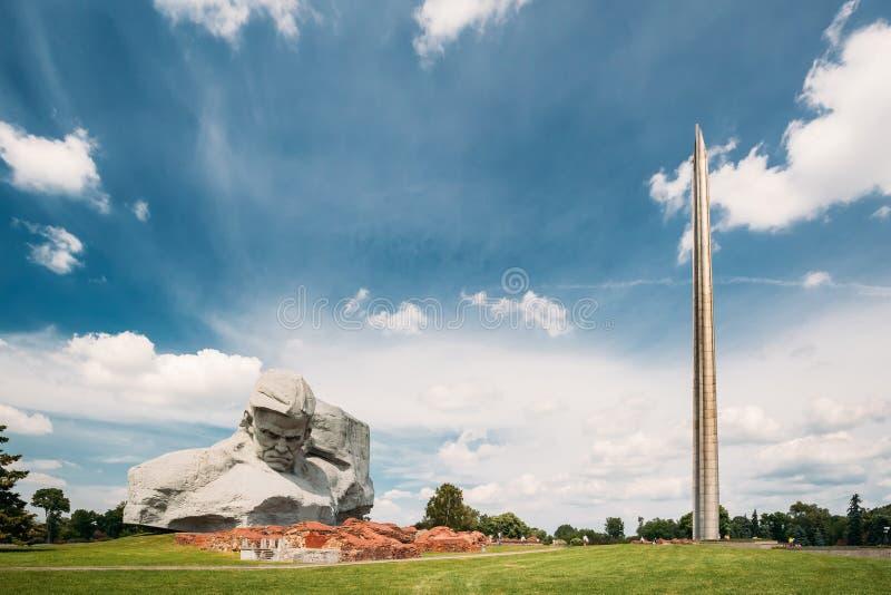 Brest, Wit-Rusland Hoofdmonument en Herdenkingsmonumentenbajonet - Obelisk in de Heldenvesting van Brest stock afbeelding