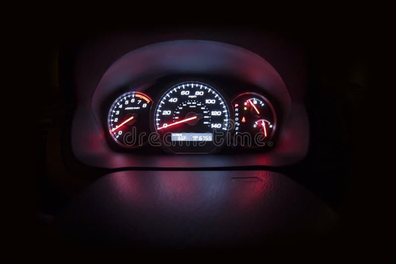 brett för auto konsol för vinkel mörkt arkivbild