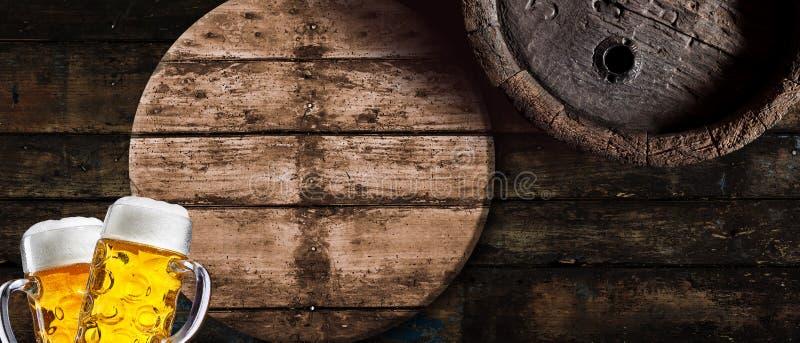Brett vinkelOktoberfest begrepp med guld- lager royaltyfri foto