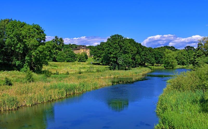 Bretton och sjön i den Yorkshire skulpturen parkerar, västra Bretton, Wakefield arkivbilder
