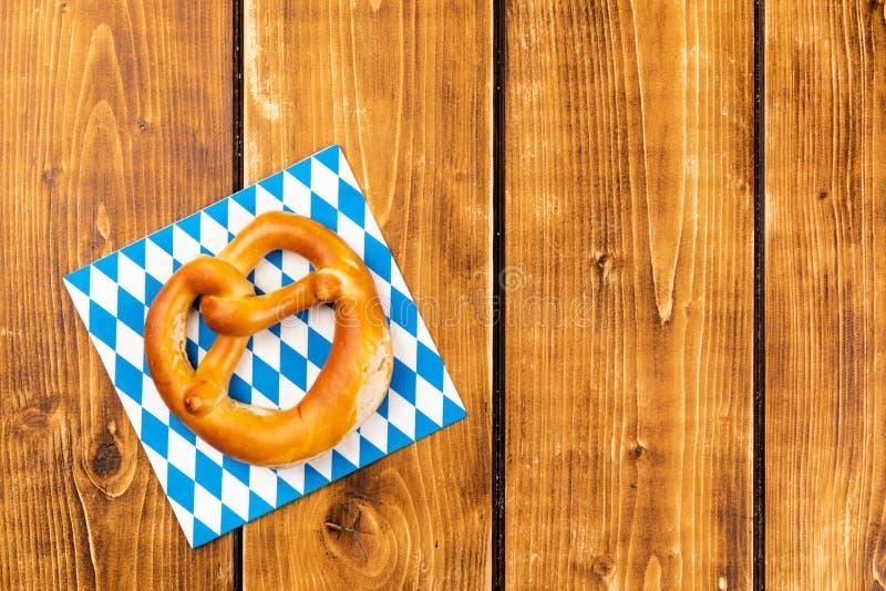Bretzel traditionnel pour un oktoberfest photos stock