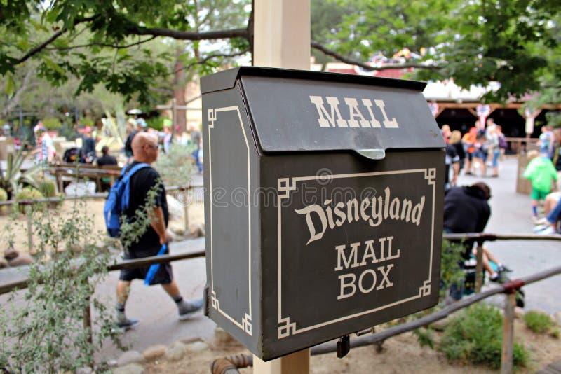 Brevlåda Disneyland royaltyfria bilder