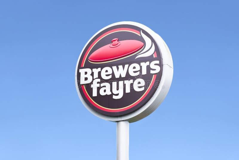 Brewers Fayre pubu łańcuchu otwarcie przy nowym Premier Inn hotelem obraz royalty free
