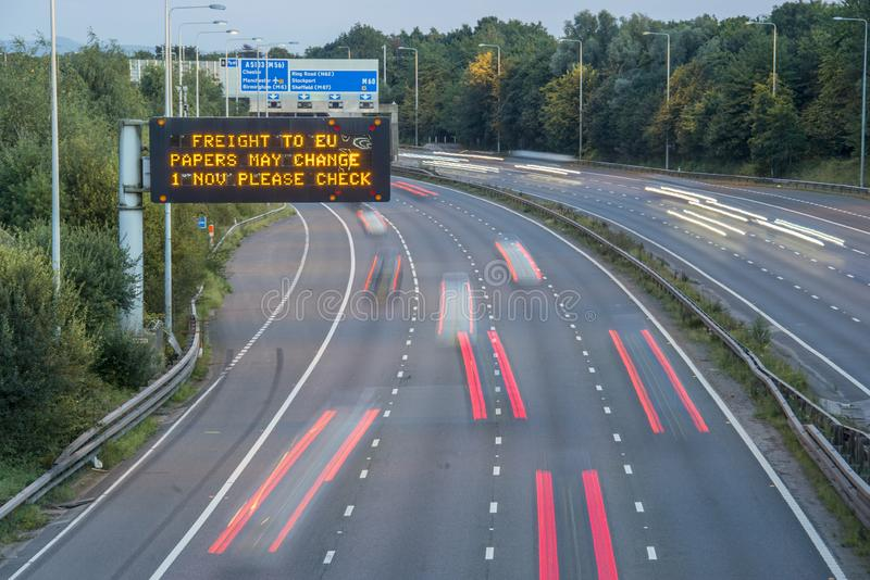Brexit Freight UK Autoway Signating With Blurred Vehicle fotografia de stock