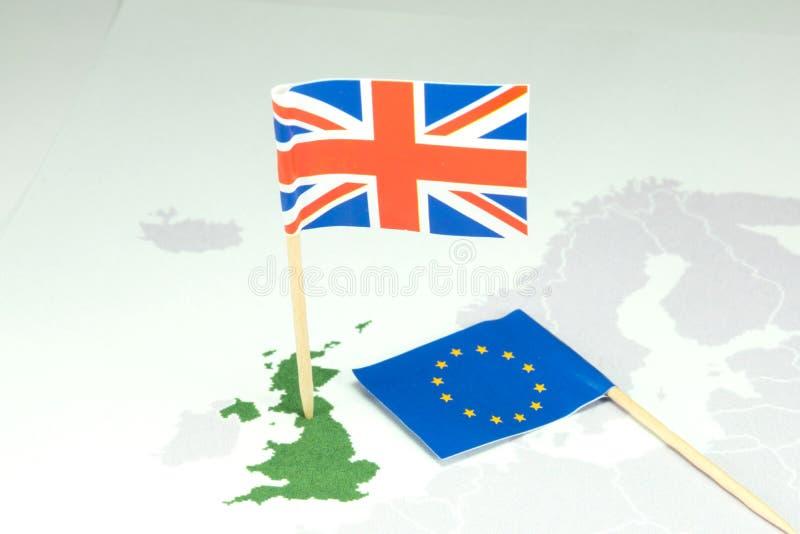 Brexit och flaggor för England och EU royaltyfri bild