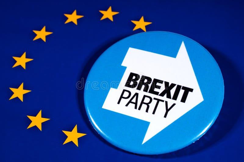 Brexit-Partei-Logo und die EU-Flagge lizenzfreie stockfotos