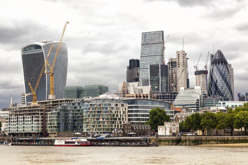 Brexit Stormachtige hemel over de stad, in Londen royalty-vrije stock afbeelding