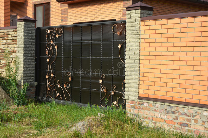 Brick Fence With Gate Of Modern Style Design Decorative Brick Wall ...