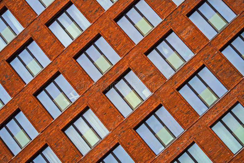 Brickwork fasada budynek mieszkalny w loft stylu zdjęcia royalty free