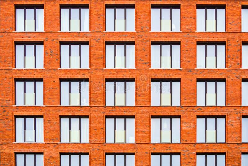 Brickwork fasada budynek mieszkalny w loft stylu fotografia stock