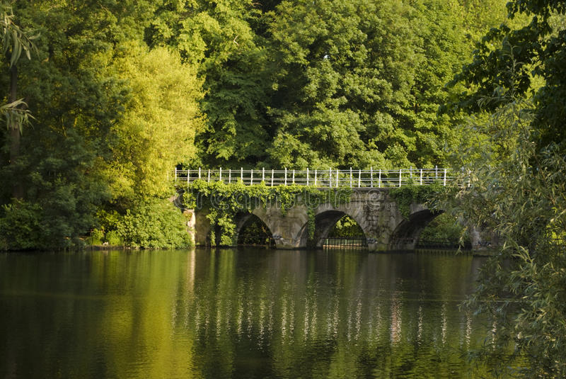 bridżowy ładny Bruges korytkowy obrazy stock