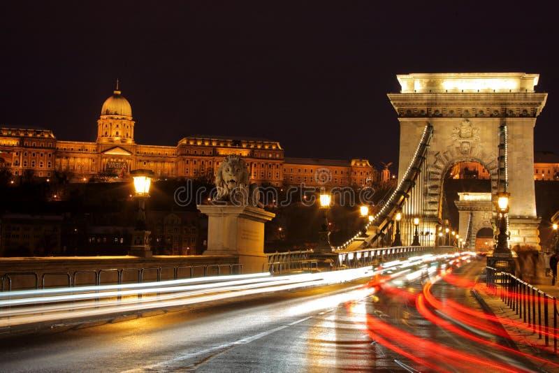 bridżowy Budapest łańcuchu ruch drogowy zdjęcia stock
