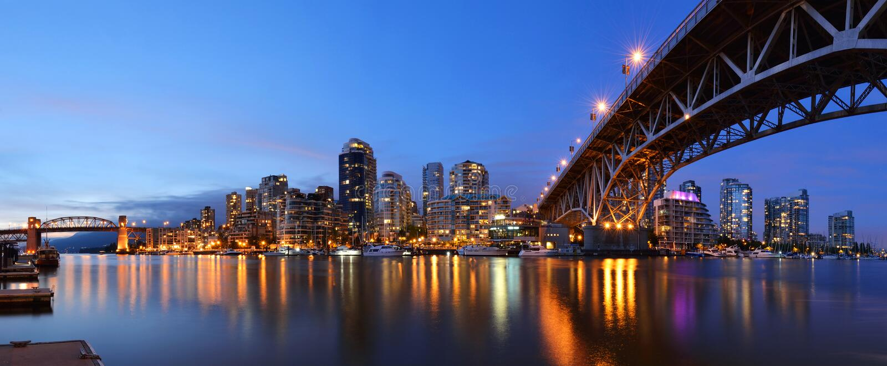 Bridżowy i W centrum Granville Vancouver obraz royalty free