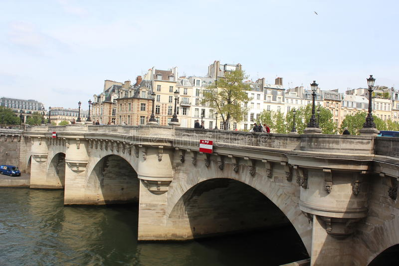 bridżowy nowożytny Paris rzeki wonton obrazy stock