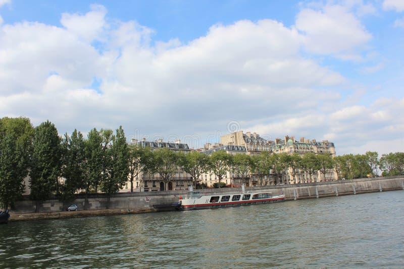 bridżowy nowożytny Paris rzeki wonton obraz stock