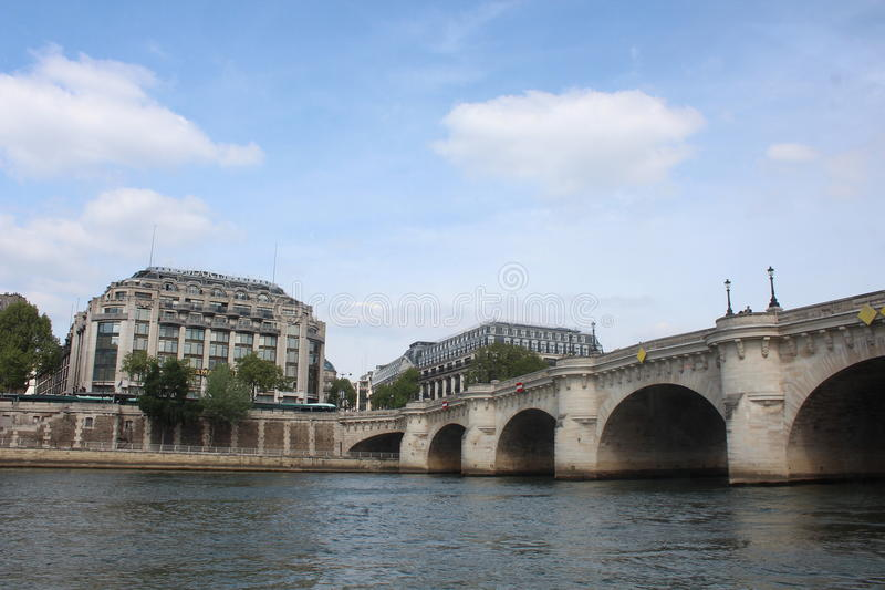 bridżowy nowożytny Paris rzeki wonton zdjęcie stock