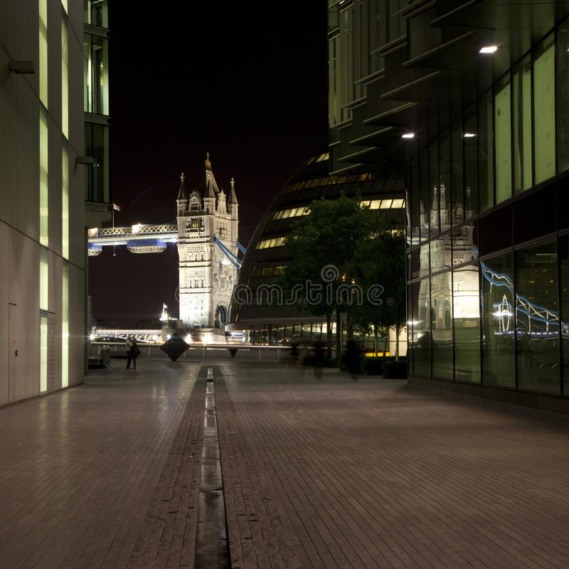 bridżowy okręg administracyjny sala wierza widok fotografia stock