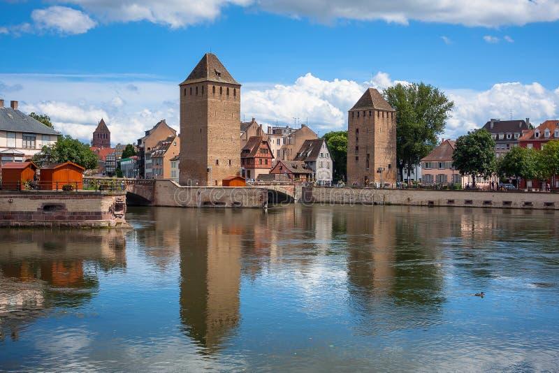 Bridżowy Ponts Couverts historyczny gromadzki Mały Francja, Strasburg obraz royalty free