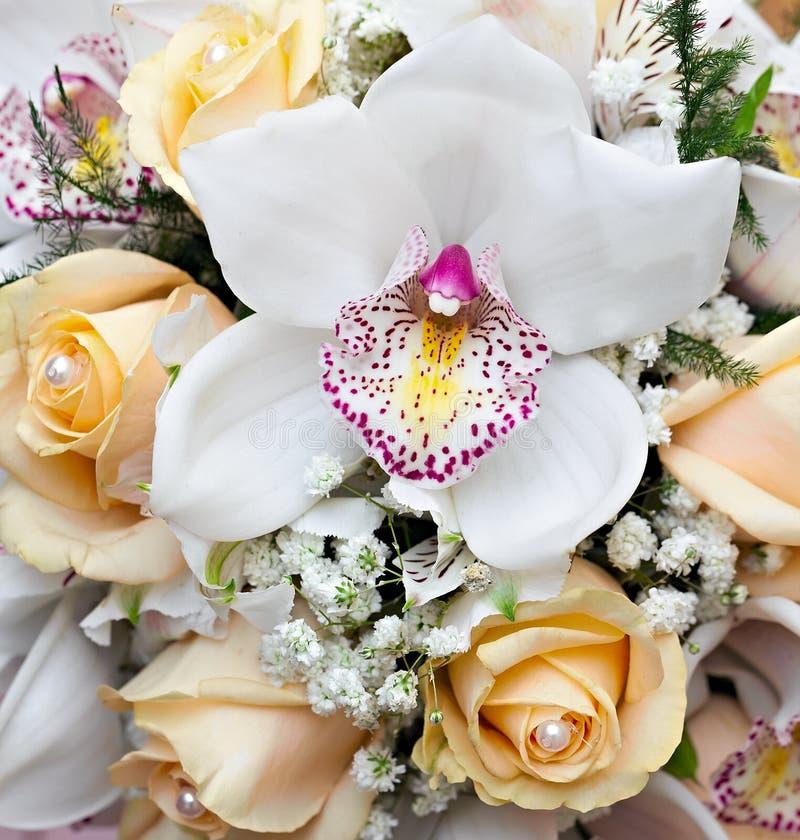 Bridal букет на свадебном банкете стоковое изображение rf